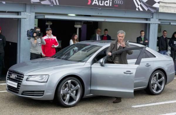 Il vend sa voiture pour approcher Mourinho