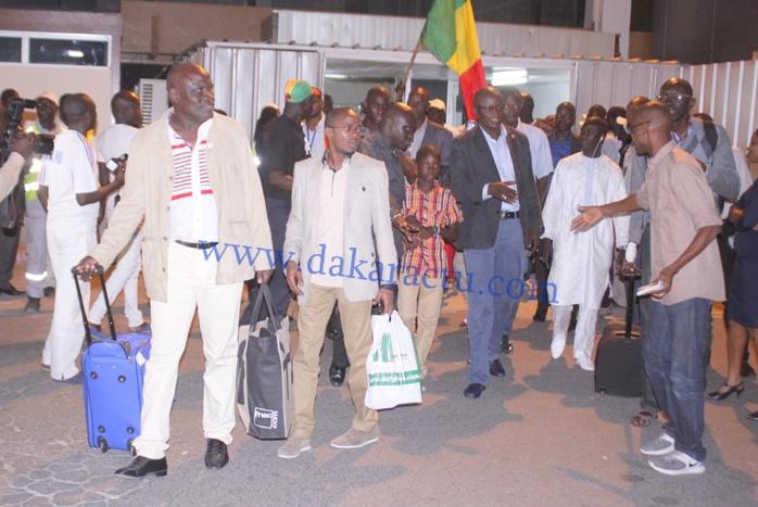 Les images de l'arrivée des Lions à l'Aéroport Léopold Sédar Senghor