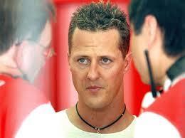 """Michael Schumacher en """"fauteuil roulant et paralysé"""", une rééducation difficile ?"""