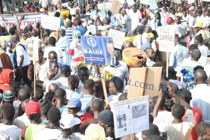 Les images de la grande mobilisation du Front Patriotique pour la Défense de la République à la Place de l'Obélisque