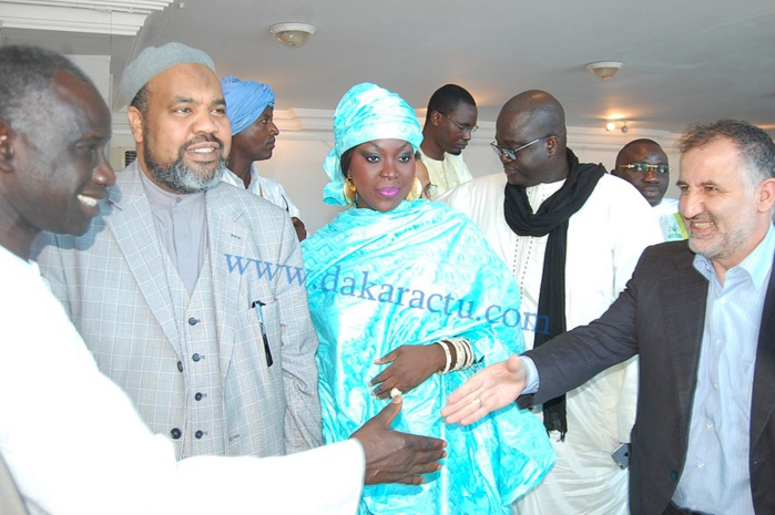 Les images du vernissage officiel de l'exposition à la place du Souvenir suivi d'une conférence sur le thème le Soufisme de Cheikh Ahmadou Bamaba et la paix
