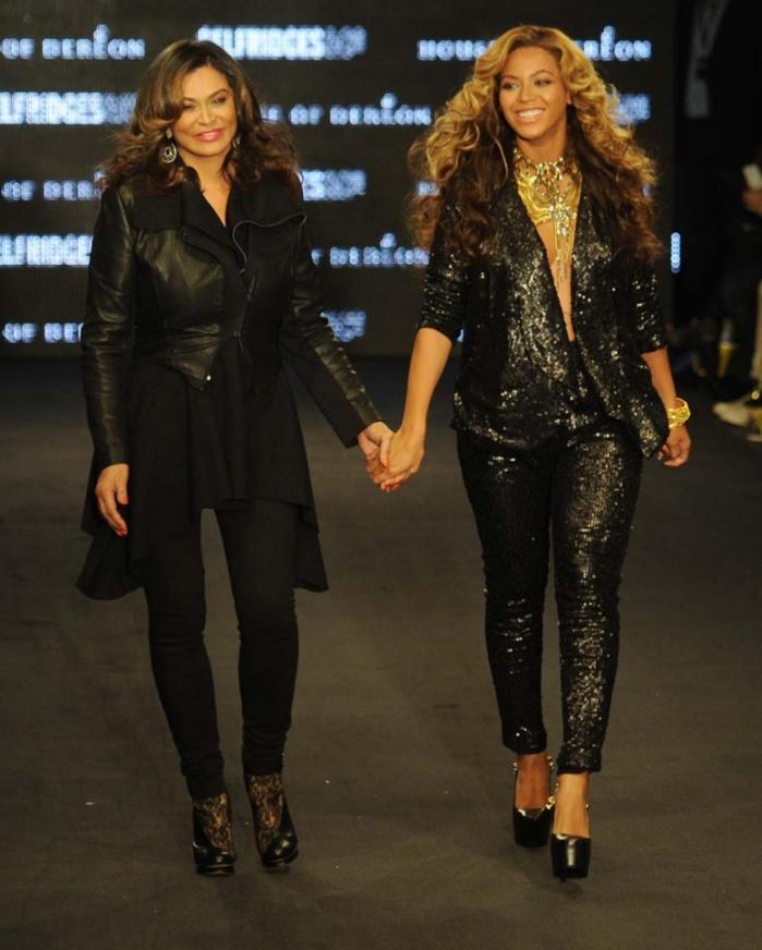 """Beyoncé dévoile l'inédit """"Ring Off"""", un titre très personnel dédié à sa mère"""