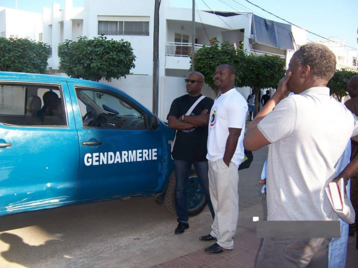 """La gendarmerie interdit le mouvement """"Alter-sommet"""" de tenir sa manifestation"""