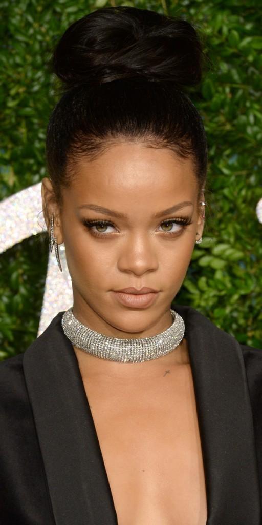 Rihanna, toute élégante hier à Londres