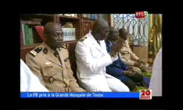 La prière du vendredi à la Grande Mosquée de Touba avec le Président Macky Sall