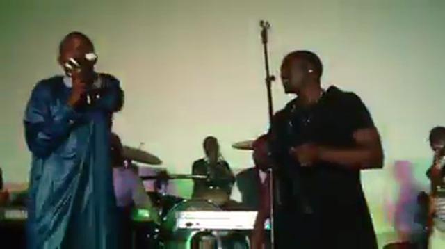 """waly seck donne le ton """"mbalax"""" à Akon"""