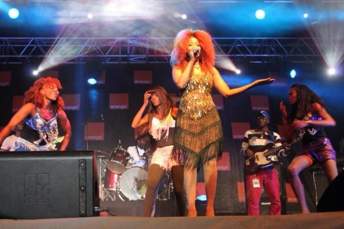 Adiouza a mis le feu au concert organisé par Orange au terminus de liberté 5.