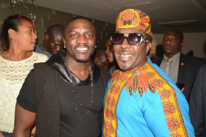 Akon, Titi Camara, Thione Niang, Mbaye Dieye Faye à la soirée Pape Diouf au Barramundi.