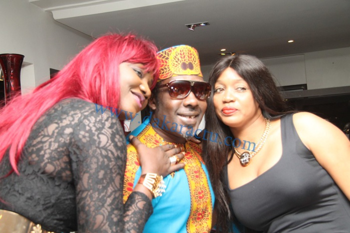 M'baye Dièye Faye en compagnie de Collé Faye et Oumou Provocation