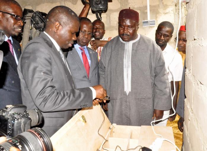 Lancement d'un programme d'installation de stations solaires pour la recharge de portables