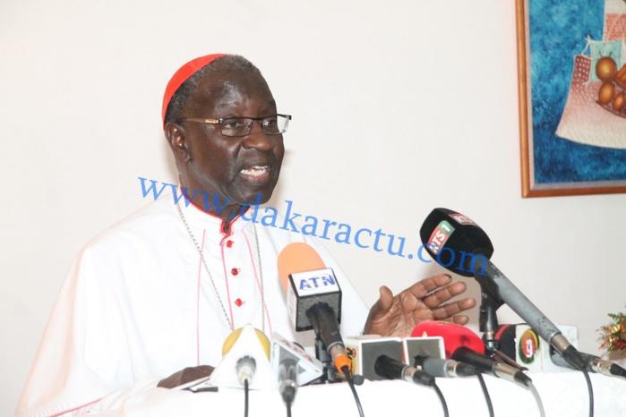 NOËL 2014 : Mgr Théodore Adrien Sarr appelle à la paix, dénonce « l'idolâtrie de l'argent » et fait ses adieux...