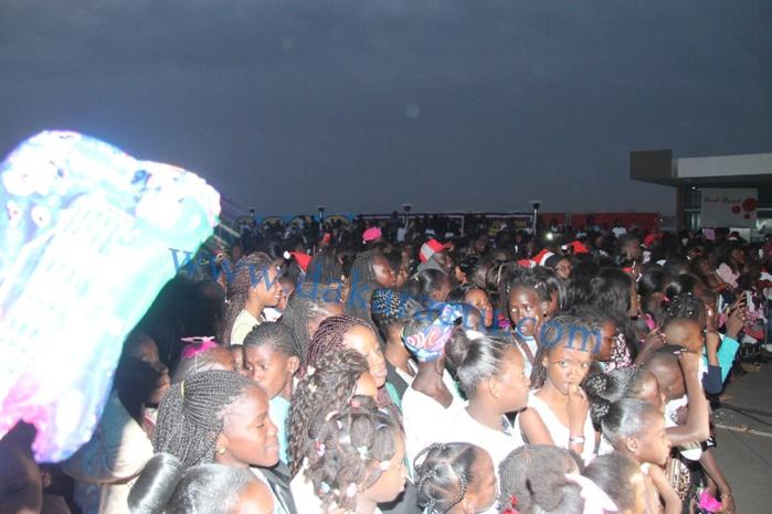 Les images de la soirée NOËL des enfants de Waly Seck au SEA PLAZA