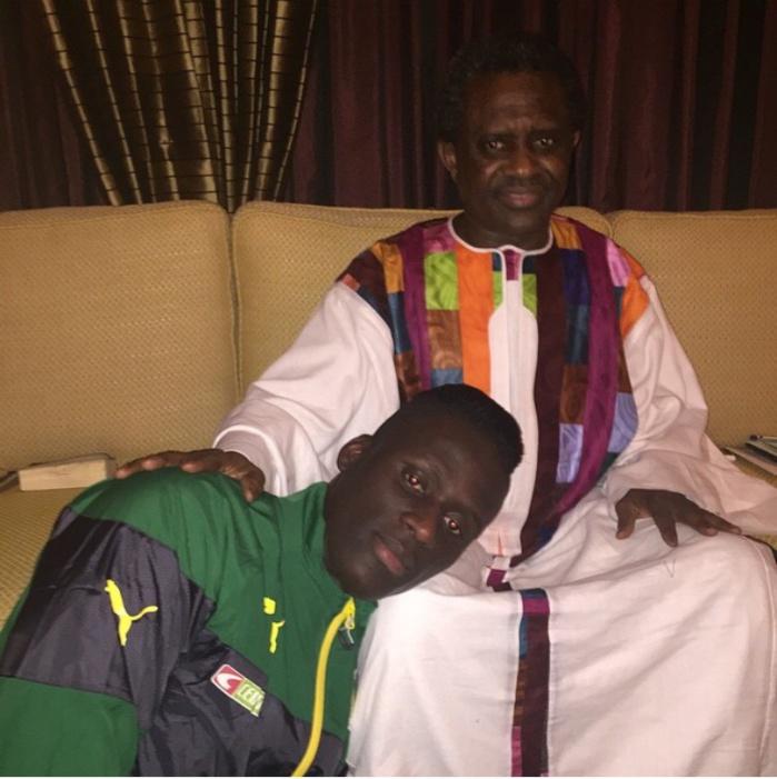 Avant de rejoindre la tanière, Kara Mbodj a rendu visite à son homonyme et marabout Cheikh Modou Kara Mbacké