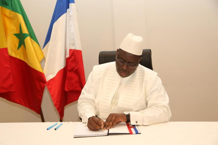 Communiqué de la présidence relatif à la visite du Président Macky Sall à l'Ambassade de France à Dakar