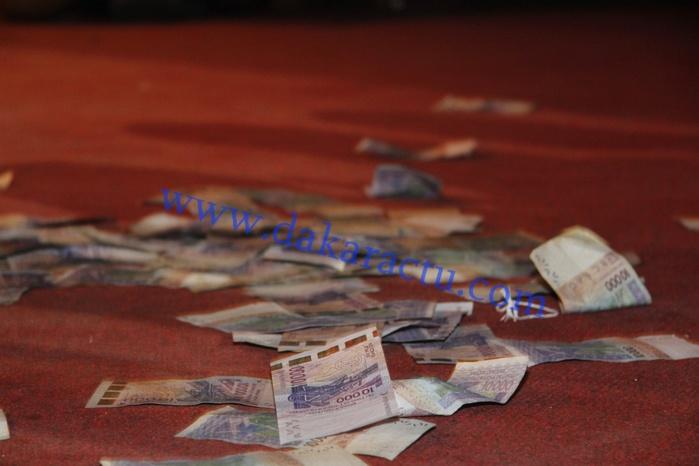 """Soirée """"Jakarlo"""" : une pluie de billets de banque à SORANO"""