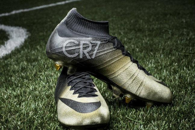 Ronaldo et les crampons en diamants