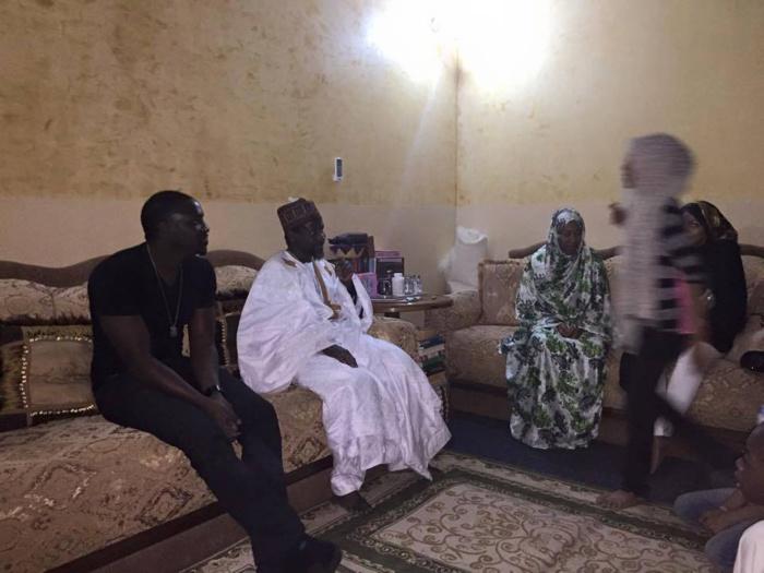 Akon chez Cheikh Mahi Cissé à Médina Baye Niass