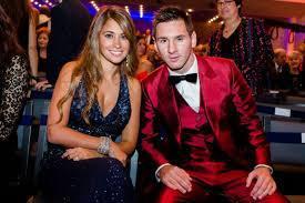 Ballon d'or 2014 : Lionel Messi élégant avec sa belle