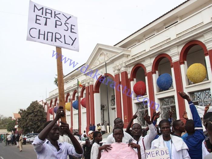 DERNIÈRE MINUTE-Charlie Hebdo : affrontements entre marcheurs et forces de l'ordre