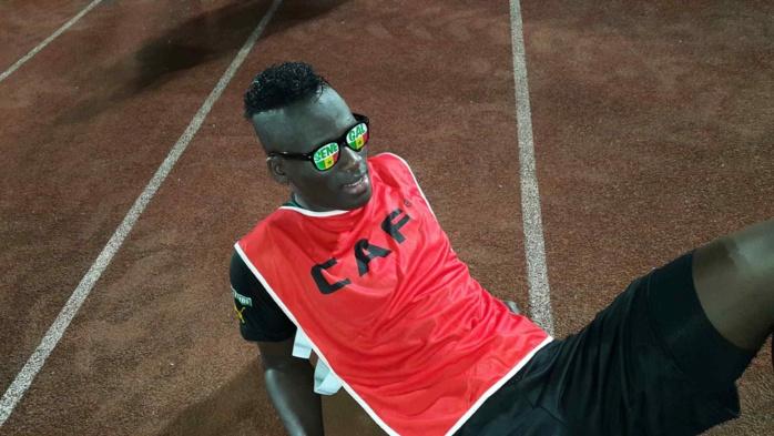 """Mongomo : les """"lions"""" en mode lunettes aux couleurs du Sénégal (vert jaune et rouge)"""