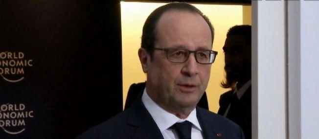 Roi Abdallah : la gaffe de Hollande, en retard pour les obsèques