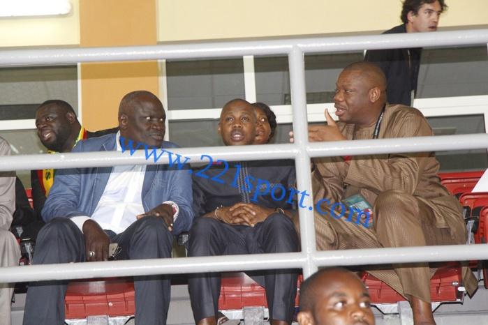 Les autorités sénégalaises dans les loges du stade du Mongomo