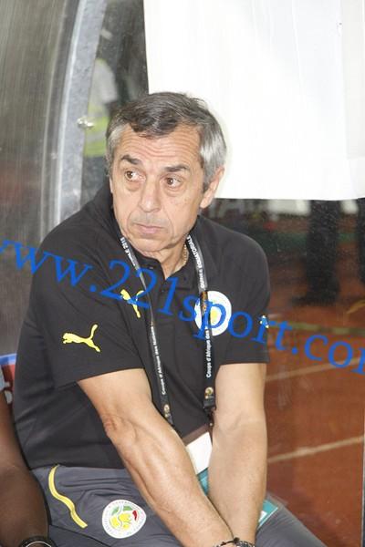 Le Sénégal ''prêt'' à aller chercher la qualification contre l'Algérie (coach et capitaine)
