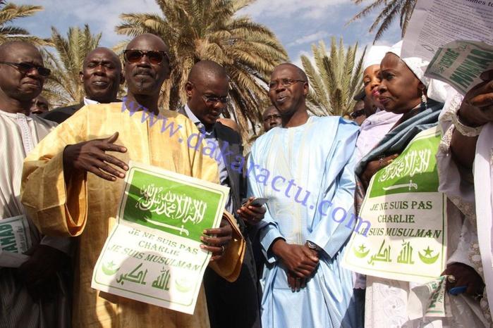 """Macky Sall s'était rendu à Paris """"pour dénoncer le terrorisme"""", selon le PM"""