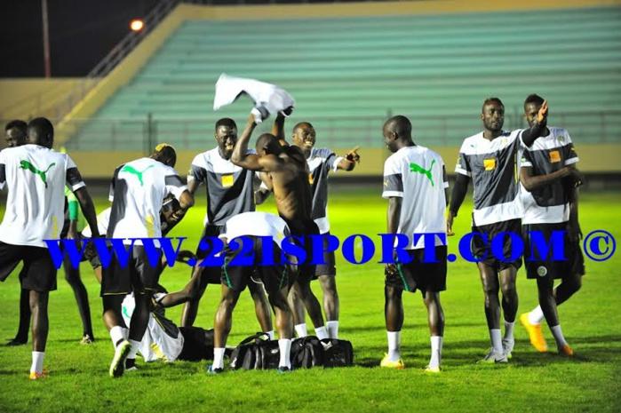 """Les images du galop d'entrainement des """"Lions"""" à Malabo"""