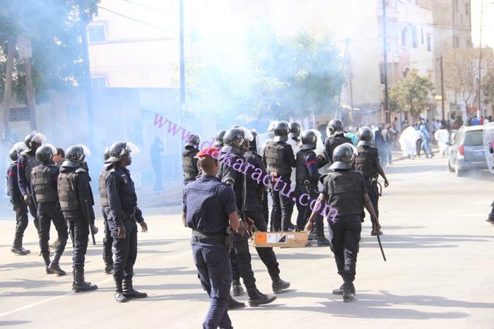 Place de l'Obélisque : les images du face-à-face entre les libéraux et les forces de l'ordre