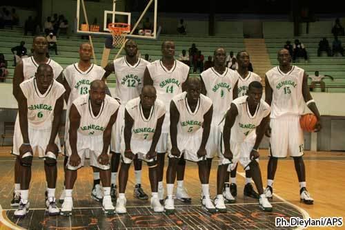 Le Recteur de l'UGB  reçoit l'équipe nationale masculine de Basket-ball du Sénégal ce lundi