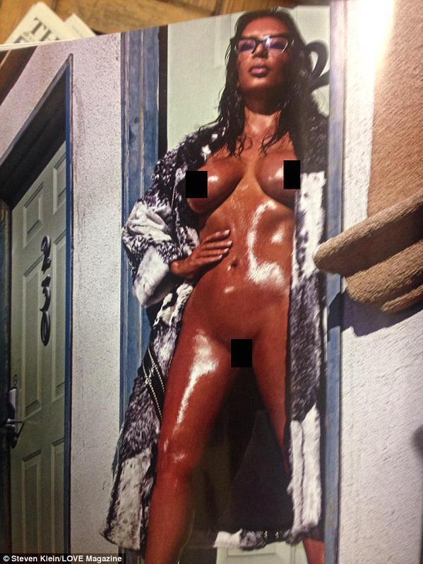 Kim Kardashian à nouveau entièrement nue