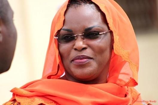 """Se faisant passer pour le coursier de la fondation """"Servir le Sénégal""""        Mor Kandji escroque plus de 21 millions cfa en...dattes et cite le Dg du Port entre autres"""