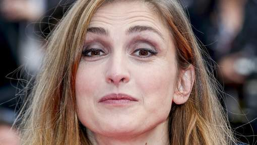Le statut de l'actrice Julie Gayet pose question