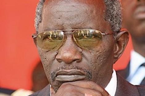 Présentation de condoléances chez Bécaye Diop par Macky Sall : « je te revaudrai cet acte dans des jours proches … »