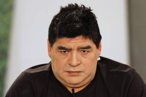 "Maradona ou ""Mamadona""?"