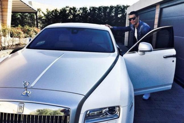 Ronaldo en Rolls-Royce à l'entraînement