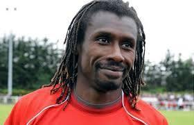 Le nouveau sélectionneur de l'équipe nationale Aliou Cissé reçu à l'instant par le ministre des sports Matar Ba (IMAGES)