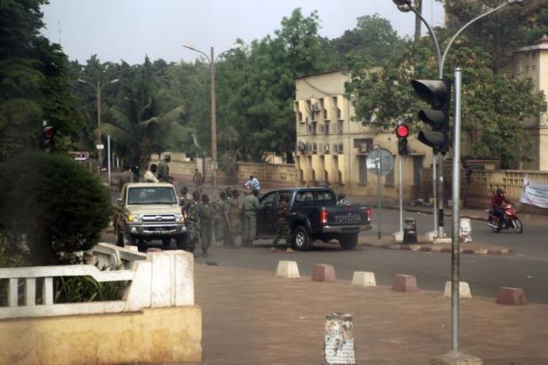 Attentat à Bamako : 5 morts, dont un Français, le parquet de Paris ouvre une enquête