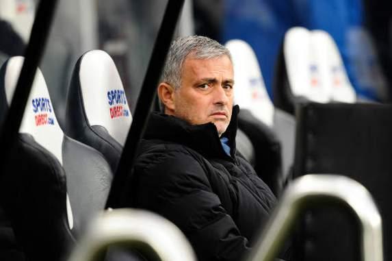 """Mourinho: """"Si dominer c'est commettre des fautes, alors oui, le PSG nous a dominés"""""""