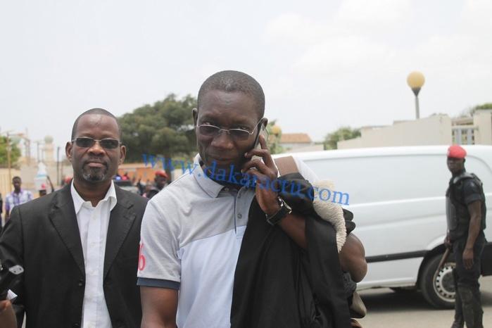 Avant de déférer à sa convocation à la Section de recherches Me El hadj Amadou SALL a accompagné Me Wade à Rebeuss