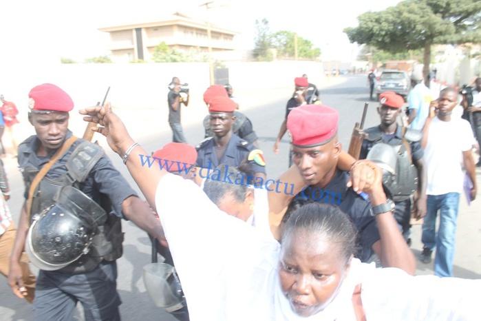 Arrestation d'Amina N'guirane, sa maman dément : «Si elle avait 2 millions à distribuer pour mettre le feu, elle aurait pu nous dépanner un peu »