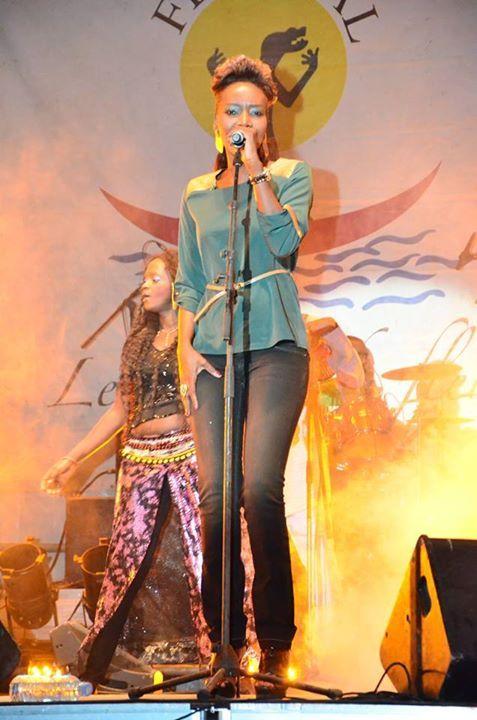 En prélude à son ¼ de siècle de musique, Coumba Gawlo encouragée par les yoffois