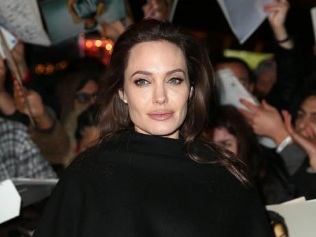 Angelina Jolie s'est fait enlever les ovaires