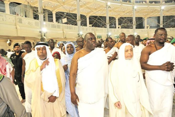 Arrivé à Jeddah le mardi 31 mars, le Président Macky Sall a consacré dans la même nuit à la Oumra ou petit pèlerinage à la Mecque
