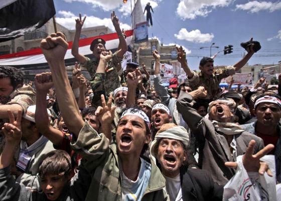 """Yémen : """"Si l'Arabie Saoudite n'était pas intervenue, le Yémen aurait fait allégeance à Daesh"""", selon Dr. Bakary Sambe de l'UGB."""