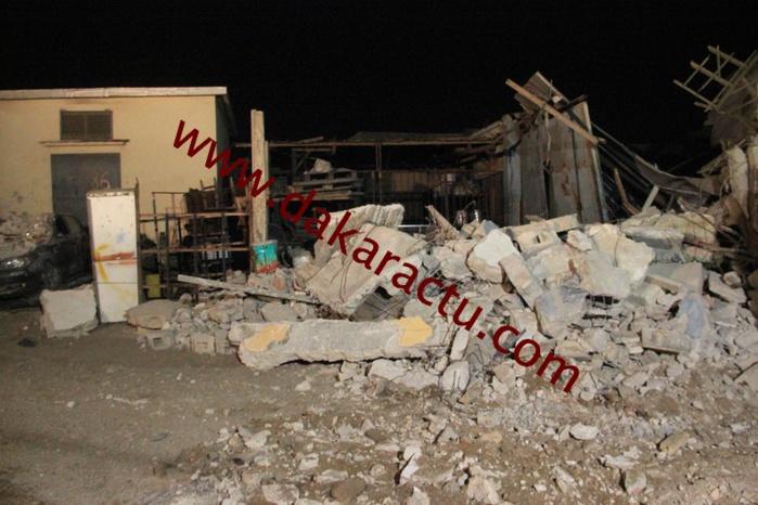 THIAROYE : Un immeuble de deux étages s'effondre sur plusieurs personnes