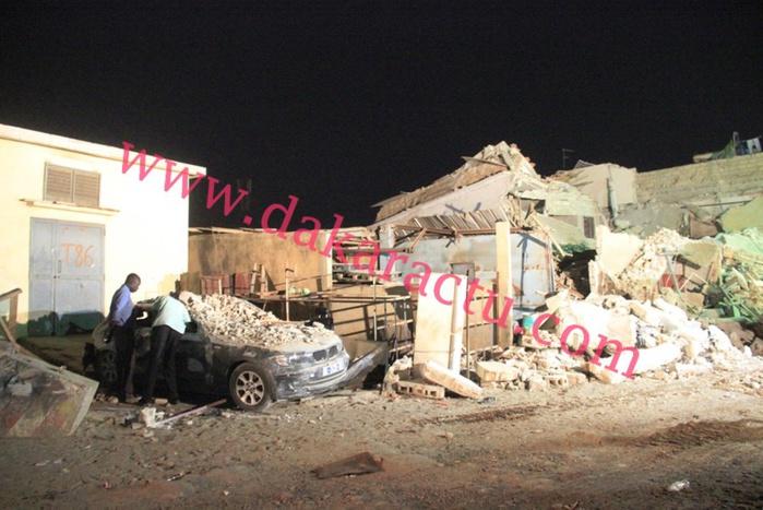 Effondrement d'un immeuble de deux étages à Thiaroye : plusieurs personnes portées disparues (IMAGES)