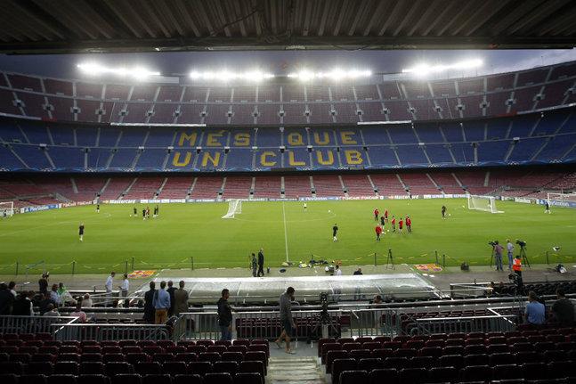 Il menace de poser une bombe au Camp Nou