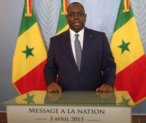 Défilé 2015 : « la prise d'armes motivée par la période trouble traversée », selon Macky Sall